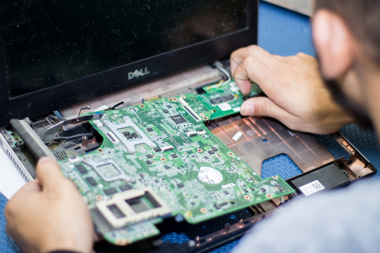 5 Things to Consider When Choosing a Technology Recycling Provider
